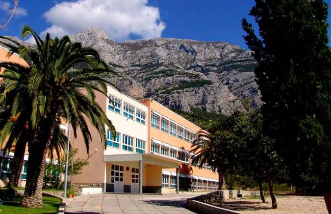Osnovna škola – Makarska